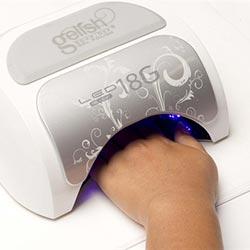 uitharden nagels in led lamp